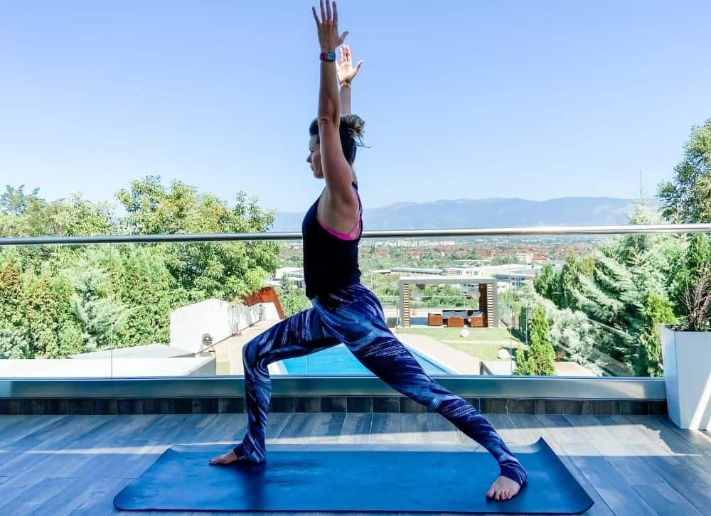 warrior 1 yoga pose outside